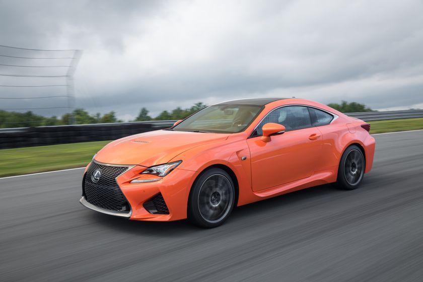 У новой Toyota Camry обнаружили риск утечки топлива 2