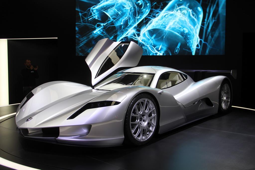 Японцы построили самый быстрый автомобиль на планете 1