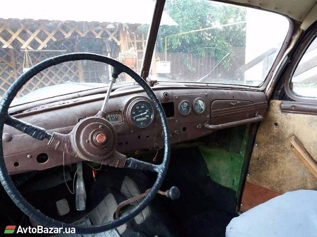 В Украине продают немецкий лимузин времен Гитлера 2