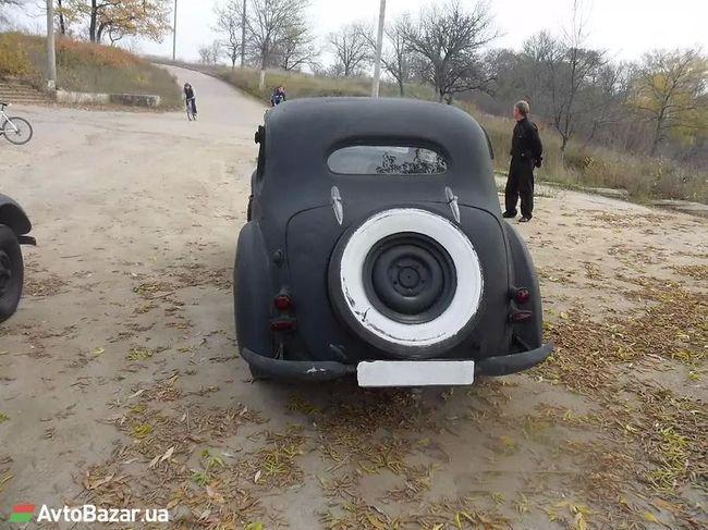 В Украине продают немецкий лимузин времен Гитлера 3