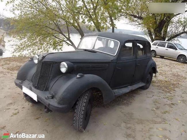 В Украине продают немецкий лимузин времен Гитлера 4