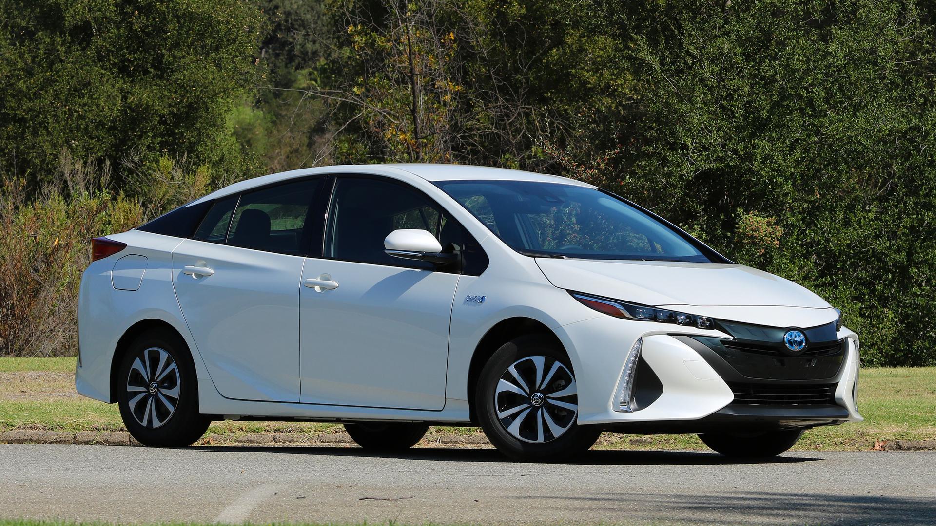Subaru займется выпуском «Приусов» 1