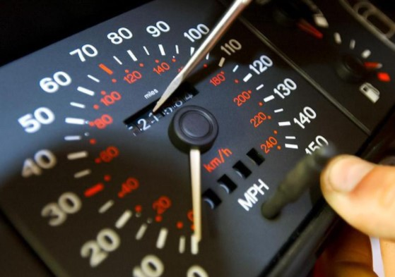 Как самостоятельно выяснить скрученный пробег автомобиля 1