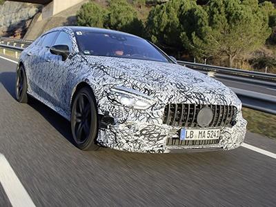 Mercedes-Benz везет в Женеву очень мощную новинку 1