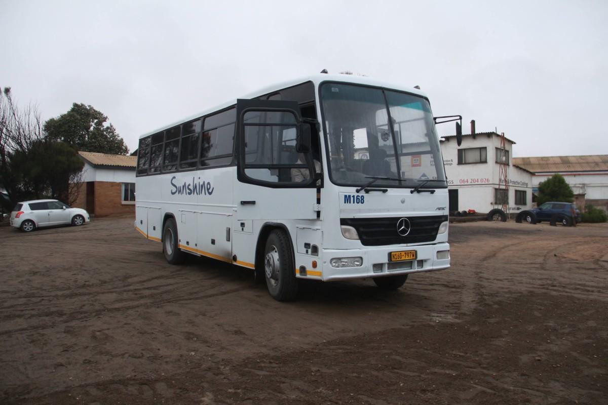 Mercedes-Benz построил «африканский» автобус, который бы идеально подошел для украинских дорог 1