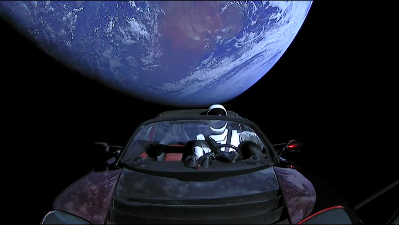 Tesla Roadster официально признан космическим спутником 1