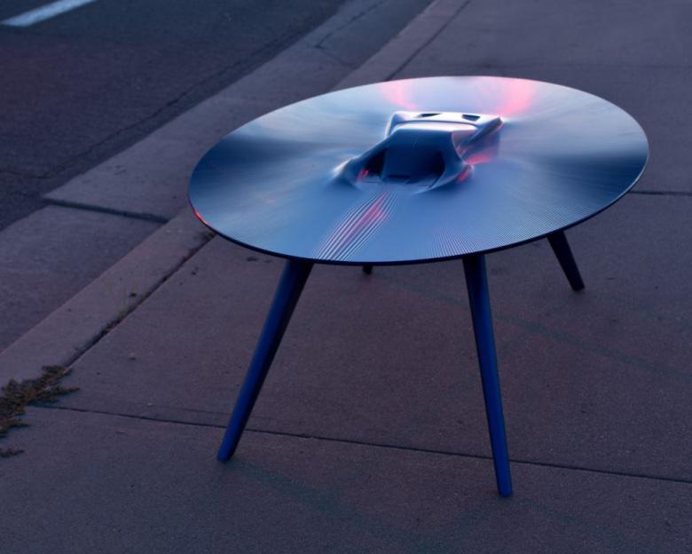 Кофейные столы с силуэтом автомобиля продают по 20 тысяч долларов 2