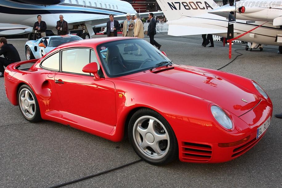 Коллекцию из 12 разных Porsche выставят на торги 1