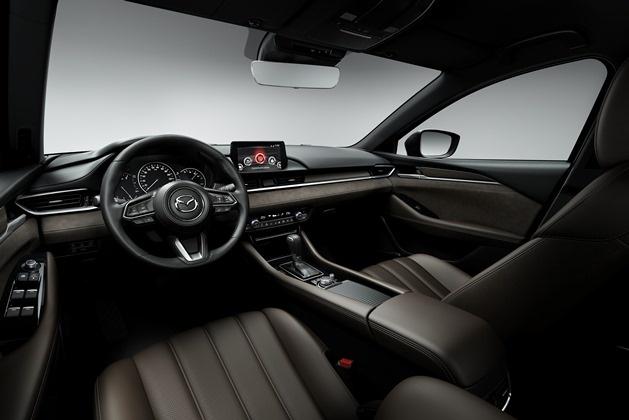 Mazda6 в кузове универсал готовится к дебюту 2