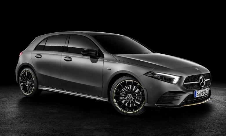 Новый Mercedes-Benz A-Class дебютировал официально 2