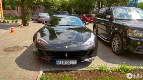 В Украине появился редкий суперкар Ferrari 1