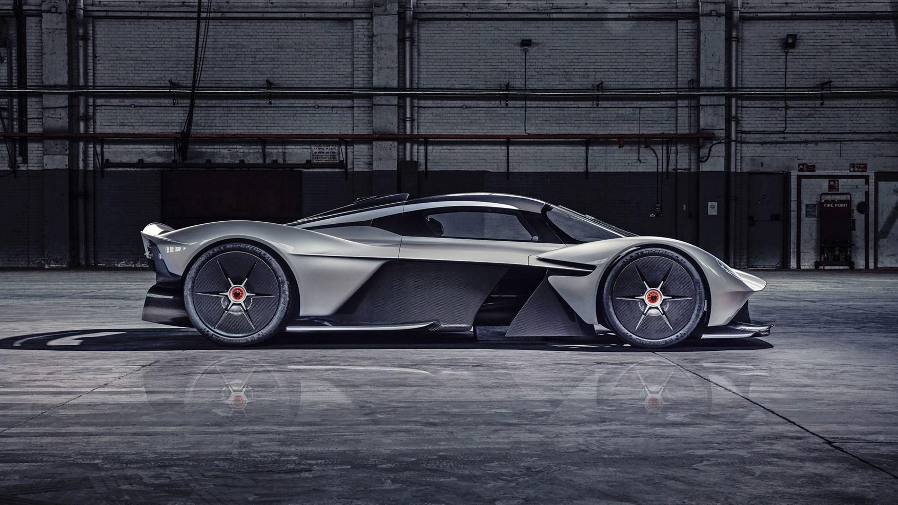 Lamborghini построит гиперкар для конкуренции с Valkyrie 1