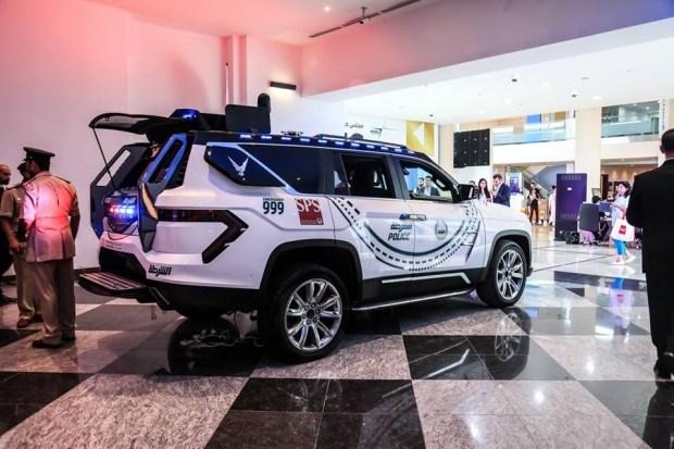 Полиция Дубая пересядет на безумные арабские внедорожники 2