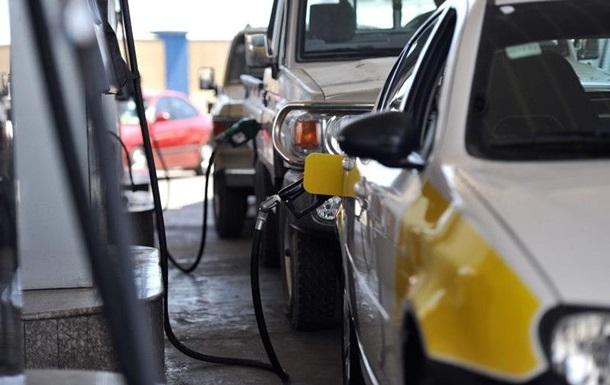 Украинцы повысили спрос на дорогое топливо 1