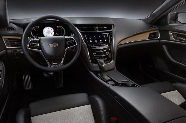 Юбилей «горячих» Cadillac отметят ограниченной серией Pedestal Edition 1