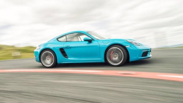 Porsche 718 Cayman T должен стать легче и мощнее 2