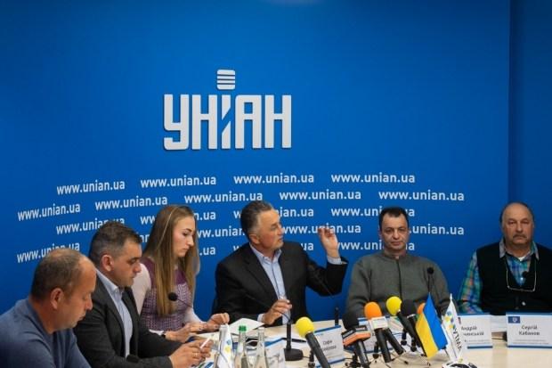 В Украине хотят конфисковывать автомобиль за работу в такси без лицензии 1
