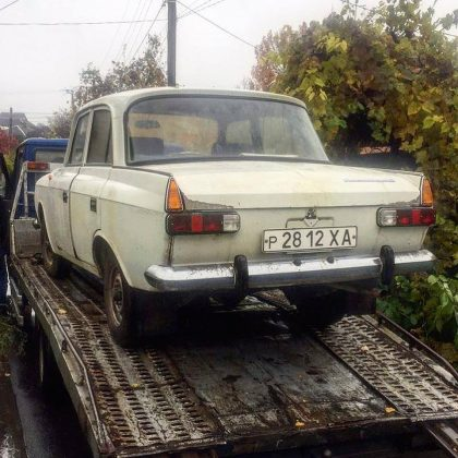 В Украине старый «Москвич-412» готовы обменять на Cadillac 1