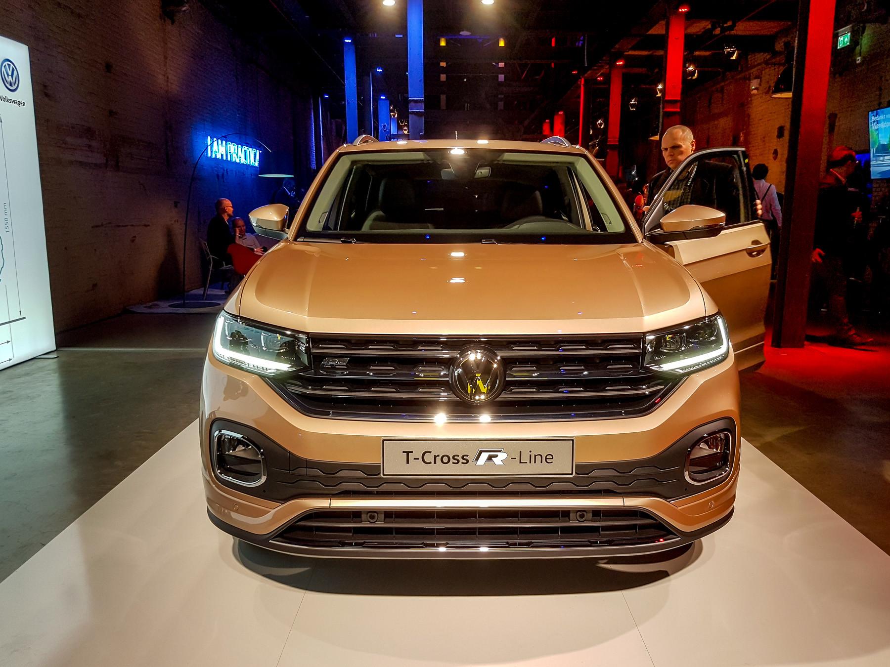 Volkswagen официально представил кроссовер T-Cross 1