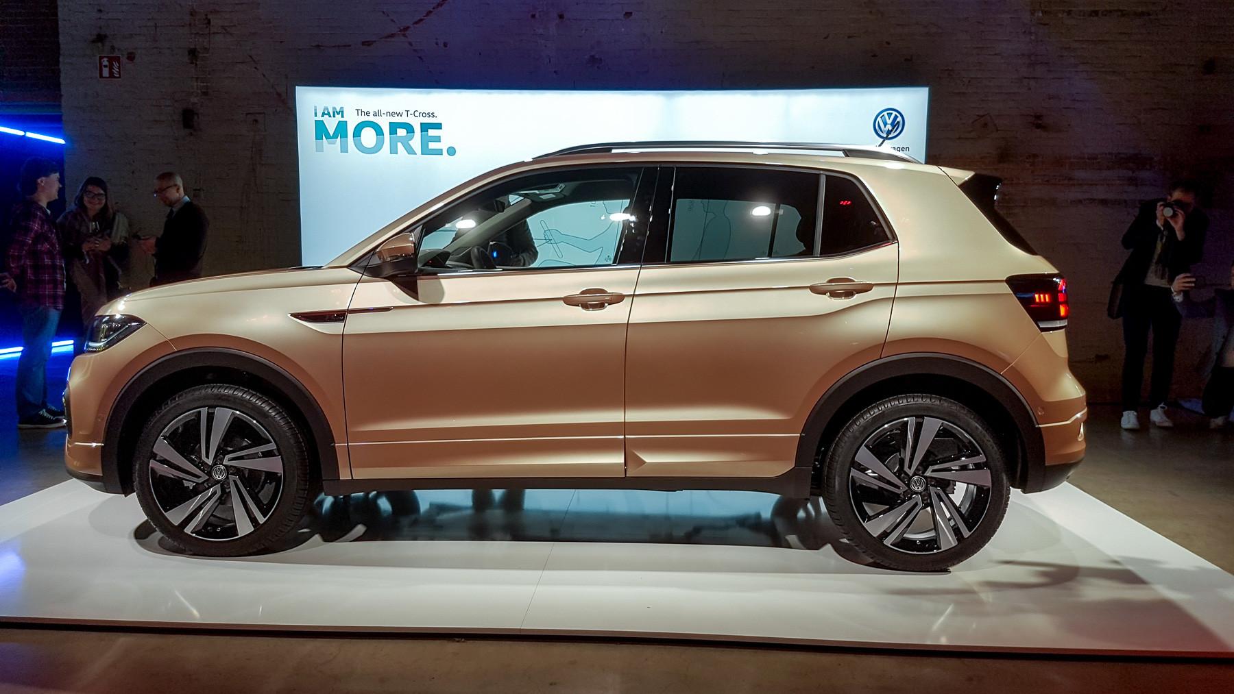Volkswagen официально представил кроссовер T-Cross 5