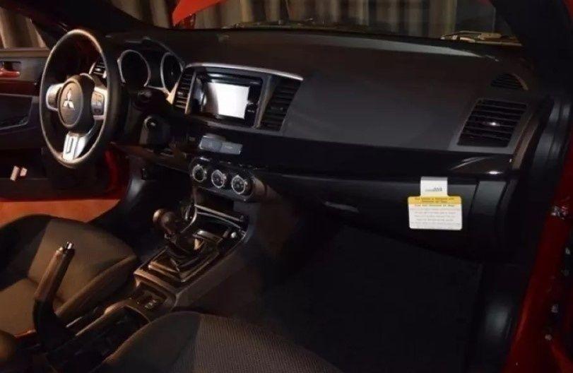 Последний Mitsubishi Lancer Evo продают по баснословной цене 2
