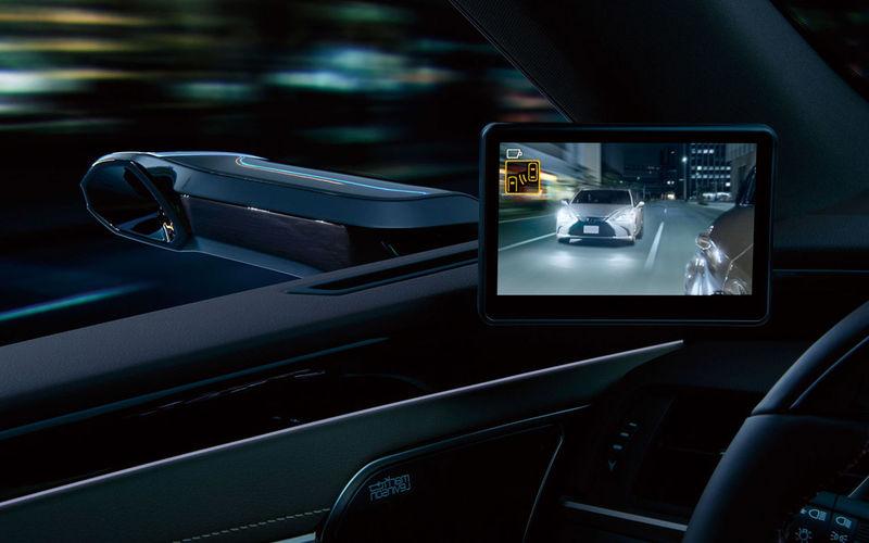 Lexus начал продажи седана с камерами вместо зеркал 3