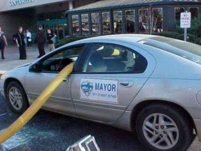 Почему нельзя парковаться возле пожарных гидрантов 1