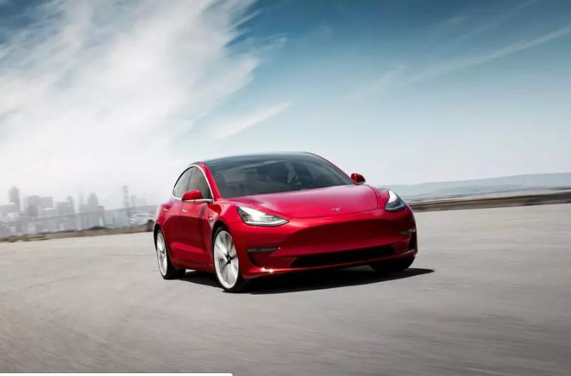У Tesla Model 3 появилась «дешевая» версия 1