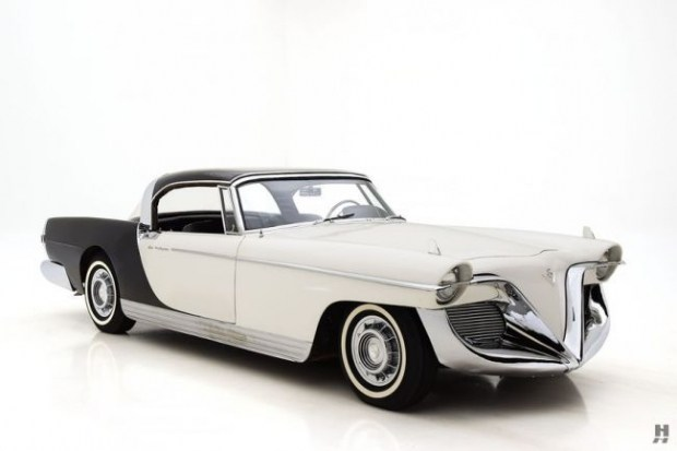 Концепт-кар Cadillac Die Valkyrie дизайнера Brooks Stevens 2