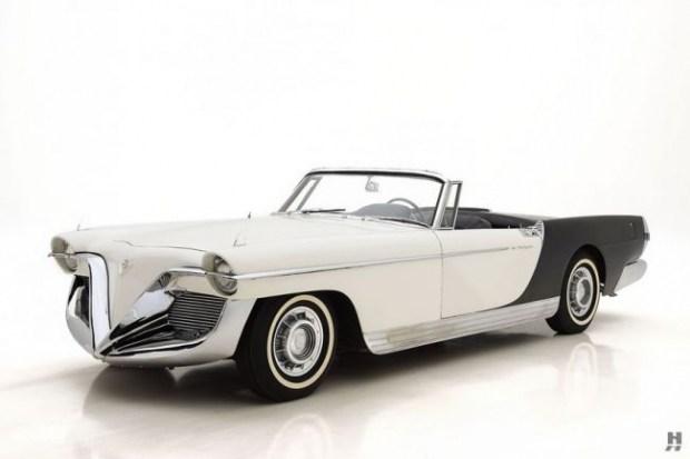 Концепт-кар Cadillac Die Valkyrie дизайнера Brooks Stevens 1