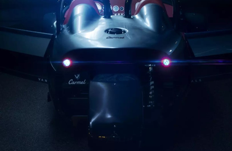 Компания Vanderhall показала самый дорогой трехколесный спорткар 1