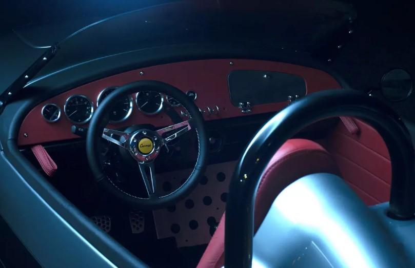 Компания Vanderhall показала самый дорогой трехколесный спорткар 2