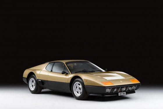 Уникальный золотой Ferrari пустят с молотка 1
