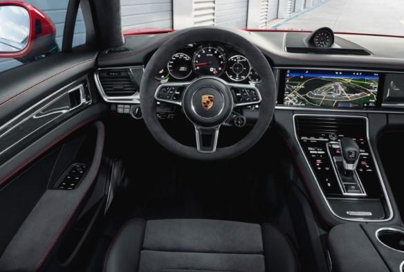 Porsche Panamera обзавелась «драйверской» версией GTS 3