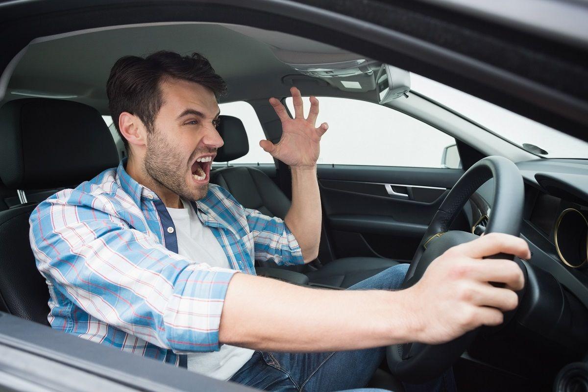 Как часто водители матерятся за рулем 1