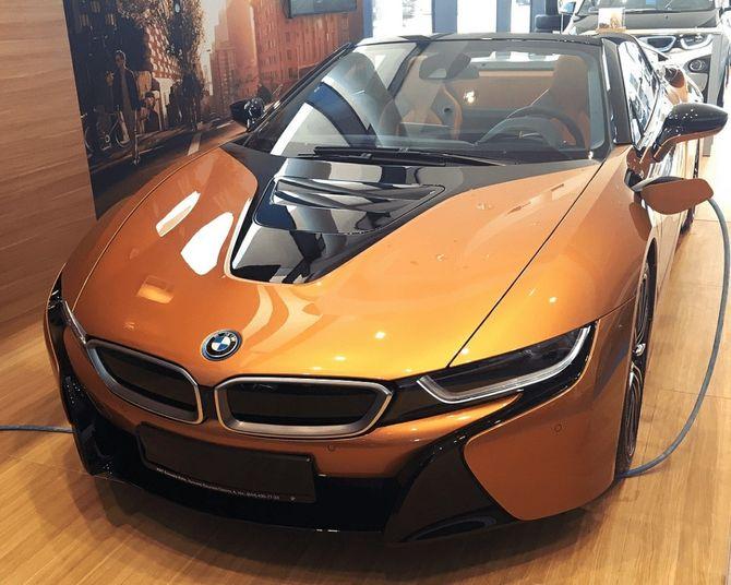 В Украине появился первый экземпляр новейшей BMW за 150 000 евро 1