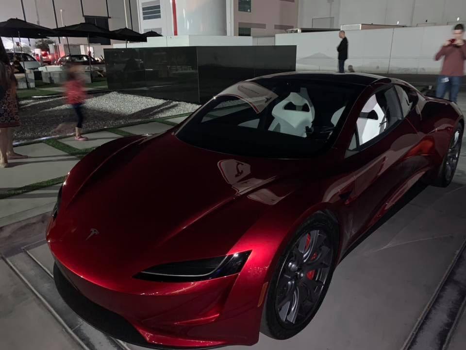 Tesla Roadster нового поколения вновь «засветился» на живых снимках 1
