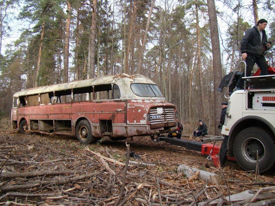 Ikarus Lux – автобус-ракета, найденный в лесопосадке 2