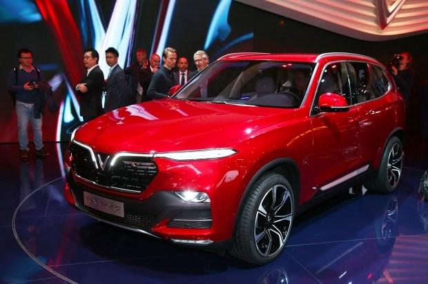 Седан и кроссовер марки VinFast умолчали о родстве с BMW 1