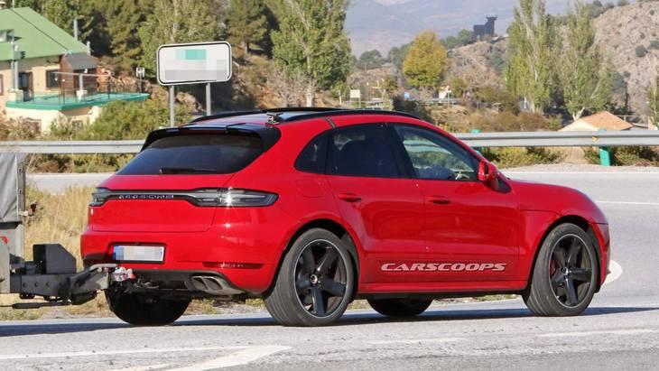 Porsche Macan Turbo впервые засекли на тестах без камуфляжа 2