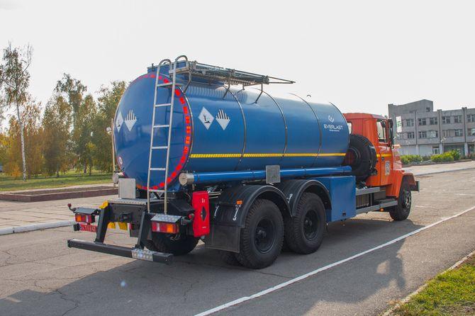 КрАЗ представил спецтехнику для металлургов и нефтяников 4