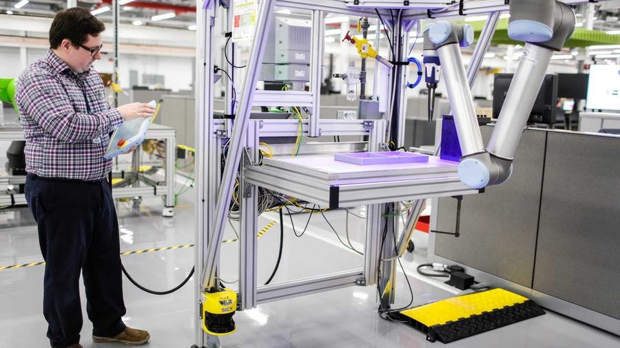 Ford построил центр передовых автомобильных технологий 1