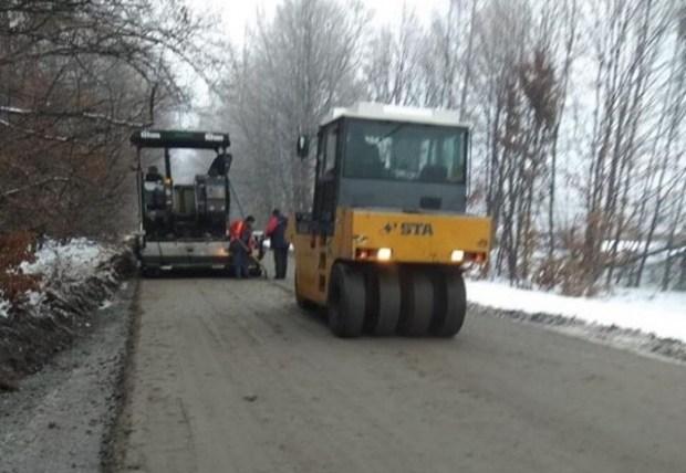 «Укравтодор» не будет платить за асфальт, уложенный в снег 2