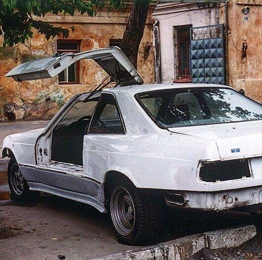 В Украине нашли уникальный старый Mercedes-Benz с дверьми крылья чайки 2