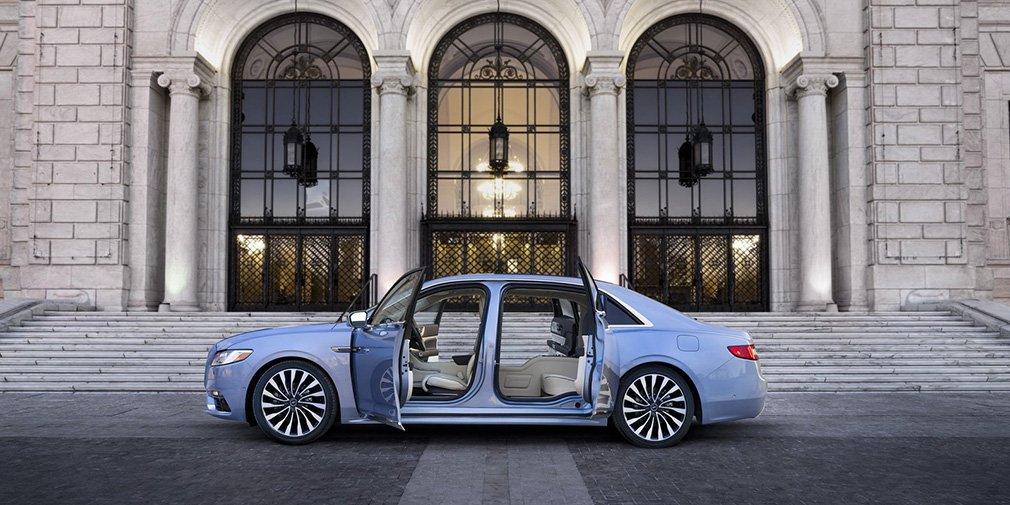 Lincoln выпустил Continental с заднепетельными дверьми 4