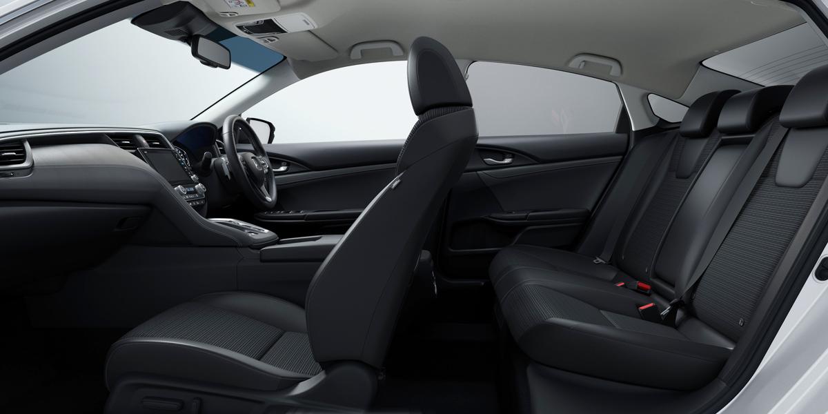 Седан Honda Insight для Японии дистанцировался от американского 3