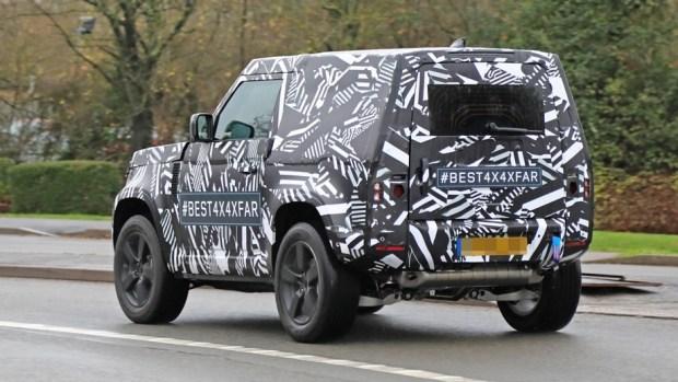 Опубликованы снимки короткобазной трёхдверки Land Rover Defender 90 3