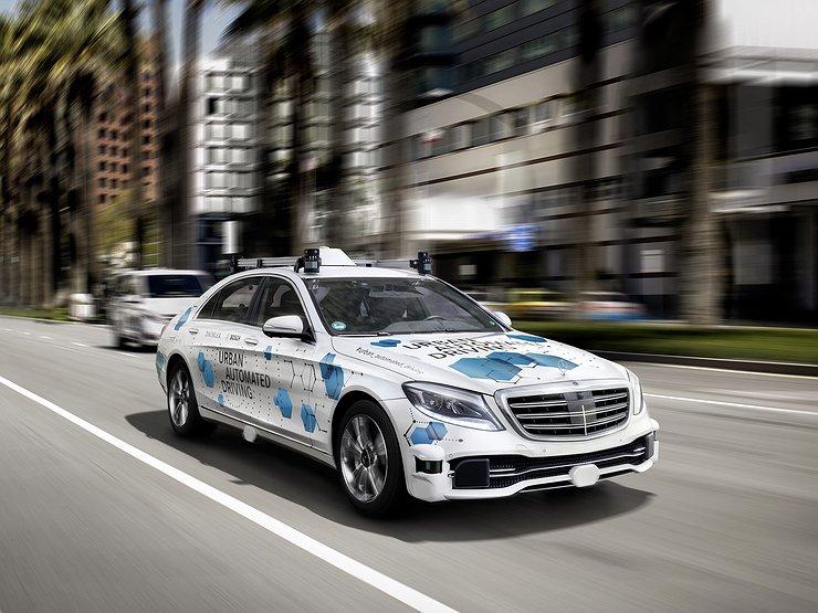 Mercedes-Benz запускает беспилотное такси и каршеринг 1