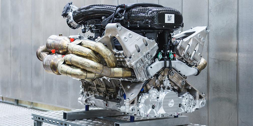 Aston Martin показал мотор нового гиперкара Valkyrie 1