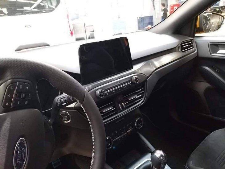 Опубликованы первые полноценные фото «заряженного» Ford Focus ST 3